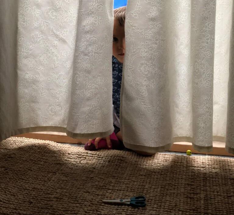 Über Eltern auf Klettergerüsten, schaurige Spielplatzgeschichten und unvorbildliche Polizei