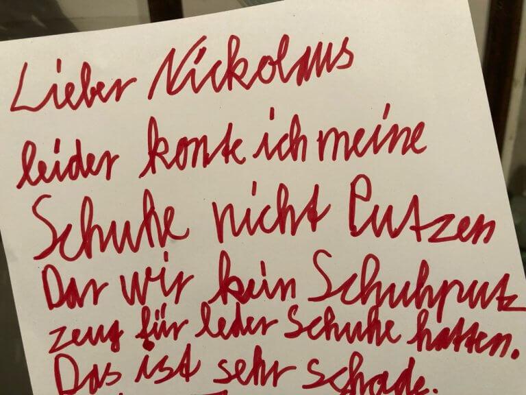 Über Nikolaus, fehlendes Putzzeug und Erfrischungsstäbchen versus Dominosteine